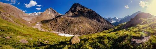 Abendpanorama - Altai-Berge Lizenzfreies Stockbild