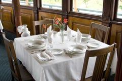 Abendtisch in der Gaststätte Stockfotografie