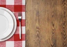 Abendtisch mit Draufsicht der Einstellungsplatte Lizenzfreies Stockfoto