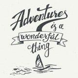 Abenteuer ist ein wunderbares Sachenweinleseplakat Stockfotos