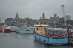 Aberdeen Skottland hamn, huvudsaklig nyckel för den frånlands- branschen för Nordsjönfossila bränslen Fotografering för Bildbyråer