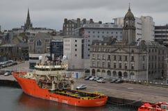 Aberdeen Skottland hamn, huvudsaklig nyckel för den frånlands- branschen för Nordsjönfossila bränslen Royaltyfria Foton