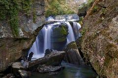 Aberdulais Tin Works Waterfalls och dammbyggnad Royaltyfri Foto