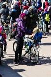 A abertura da estação do ciclismo e a bicicleta montam, Gomel, Bielorrússia Imagem de Stock