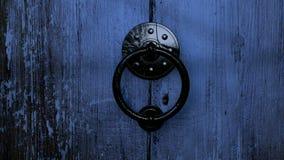 Abertura de madeira velha da porta ilustração do vetor