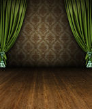Abertura verde da fase da cortina em um interior do vintage imagem de stock royalty free