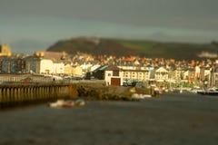 Aberystwyth hamnlutande och förskjutning Arkivfoton