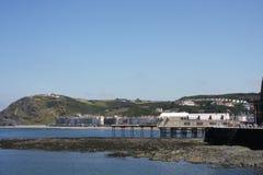 aberystwyth sjösidatowns uk wales Arkivfoton