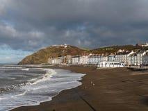Aberystwyth strand och promenad Royaltyfri Fotografi