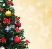 Abeto adornado de la Navidad Fotografía de archivo