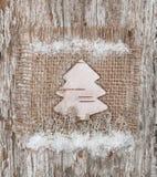 Abeto de la Navidad hecho de corteza de abedul Fotografía de archivo