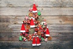 Abeto feito das decorações do Natal Imagens de Stock