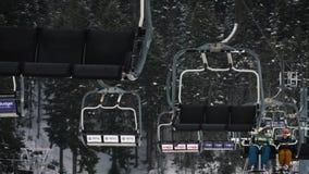 Abetone, 23 2017 Styczeń - Iść up z krzesła dźwignięciem w włoskich górach zdjęcie wideo