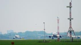 Abfahrt Transavia Boeing 737 stock video