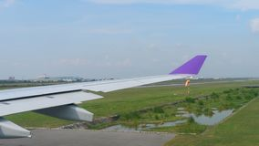 Abfahrt von Suvarnabhumi-Flughafen, Bangkok stock footage