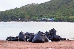 Abfall auf dem Strand Lizenzfreies Stockbild