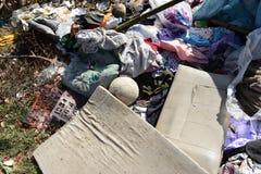 Abfall vom Abfall, der durch natürliches vermindert wird, bedeutet lizenzfreie stockbilder
