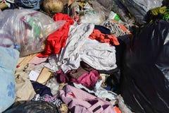 Abfall vom Abfall, der durch natürliches vermindert wird, bedeutet stockfoto