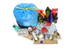 Abfall, welche aus Dosen, Plastikflaschen, Glasflasche, carto besteht stockfotos