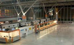 Abfertigung in Frederic Chopin-Flughafen stockbilder