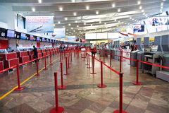 Abfertigungs-Bereich am internationalen Flughafen Wiens Stockbild