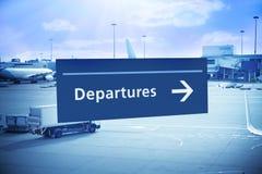 Abflug-Zeichen-Flughafen-Reise stockbilder