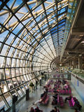 Abflughalle am Flughafen Stockfotografie