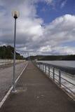 Abflusskanal im Reservoir von San Rafael de Navallana Stockfotos