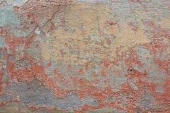 Abgebrochene alte Farbe auf der Wand lizenzfreies stockbild
