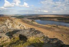 Abgefressene Flusssteine auf Yorkshire-Heidemoor Lizenzfreies Stockfoto