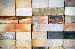 Abgenutzte Brennofen-Ziegelstein-Beschaffenheit Stockbilder