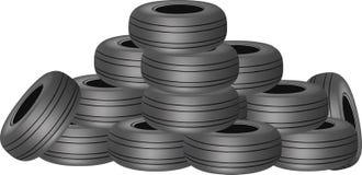 Abgenutzte Reifen in einem Haufen Stockfoto