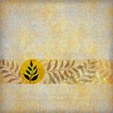 Abgestellte Blätter auf natürlichem braunem Hintergrund Lizenzfreie Stockfotos