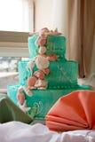 Abgestufter Hochzeits-Kuchen Stockfoto