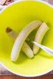 Abgezogene Bananen in einer Schüssel Lizenzfreie Stockfotografie