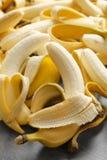 Abgezogene reife Bananen Stockbilder