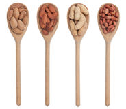 Abgezogene und ungeschälte Mandeln und Erdnüsse Stockfoto