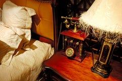 abgleichende antike Möbel stockfotografie