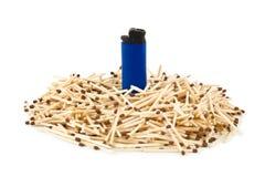 Abgleichungen und Feuerzeug - Führungkonzept Stockbilder