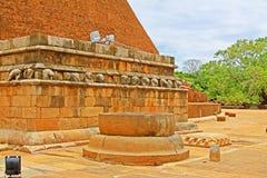Abhayagiri Dagoba, arv för Sri Lanka UNESCOvärld Royaltyfri Foto