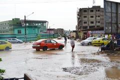 Abidjan inonde/réunion de secours à l'hôtel de ville de Cocody hier : Réclamation du ` s de maire Photos libres de droits