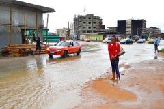 Abidjan von den Erdrutschen passend zu regnen Lizenzfreie Stockfotos