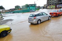 Abidjan zalewa, Przeciwawaryjny spotkanie wczoraj przy Cocody urzędem miasta/: Mayor ` s usilna prośba Zdjęcia Stock