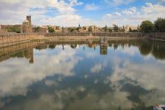 Abil Fida Mosque con il serbatoio di acqua - Bosra, Siria fotografia stock libera da diritti