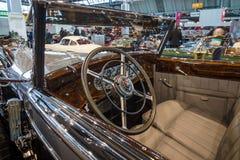 Abin av i naturlig storlek lyxig bilMercedes-Benz 770K Cabriolet D W07, 1931 Arkivfoto