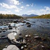 Abiskojokk 河在阿比斯库国家公园国家公园,瑞典 图库摄影
