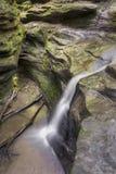 Abismo de la cascada Fotos de archivo
