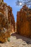 Abismo de Standley (Angkerle) situado al oeste de Alice Springs en el Territorio del Norte, Australia Foto de archivo