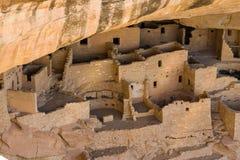 Abitazioni di scogliera a Cliff Palace a Mesa Verde National Park Fotografia Stock