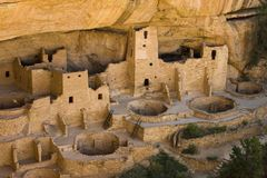 Abitazioni di scogliera a Cliff Palace a Mesa Verde National Park Immagini Stock